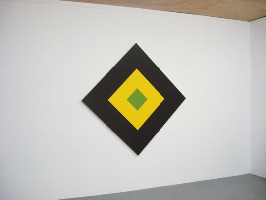 http://www.hugopernet.com/files/gimgs/th-21_04_ Solitaire_ Acrylique sur toile, 172x172 cm.jpg