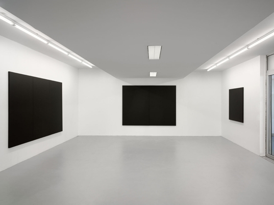 http://www.hugopernet.com/files/gimgs/th-23_peintures blanches (3,2,1)_ photo andré morin copie web.jpg