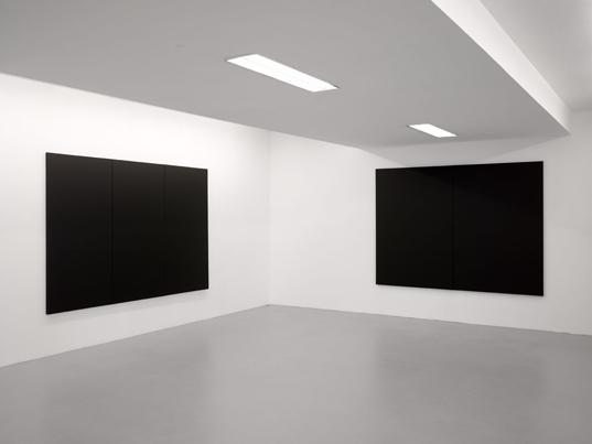 http://www.hugopernet.com/files/gimgs/th-23_peintures blanches (3,2)_ photo andré morin copie web.jpg